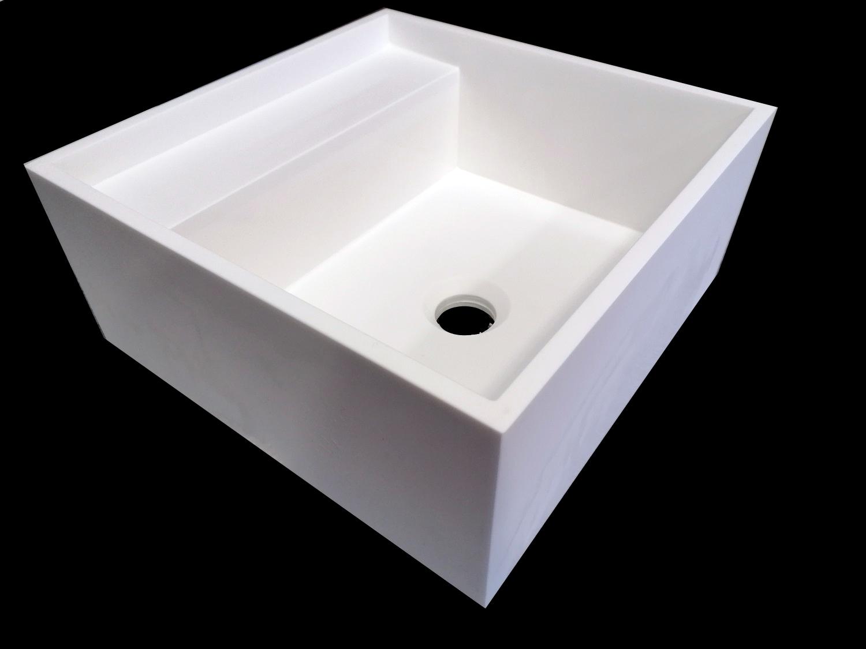 Umywalka kompozytowa z półkami 35x35x16cm